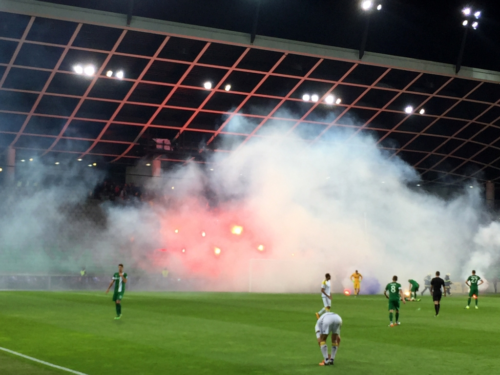 smoke-on-the-pitch_phil-clisby